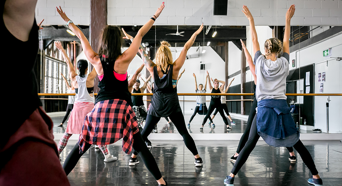 dancing dance and class Acting, dancing and singing classes for kids at the stage school park ridge a part-time performing arts school for kids aged 4-16 years old.