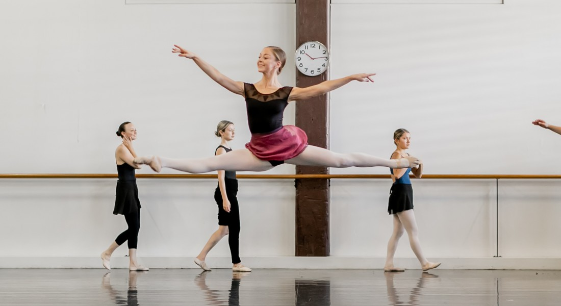 sydney_dance_company_november_2017_holiday_classes_ballet_2017_gez_xavier_mansfield_photography_2018-151